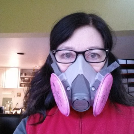 And because I do believe that Farmer's Lung is still a concern, I purchased this attractive accessory for feeding the sheep and chickens.  It's hugely helpful and protects my lungs from dust and mold. Yaasss.